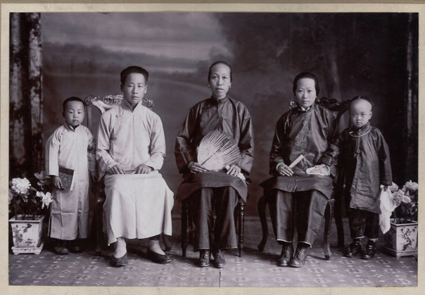Hong Sun Jew Family Portrait